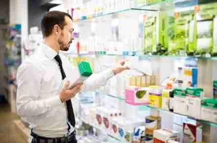 Milf en la farmacia en vestido violeta parte 1 10