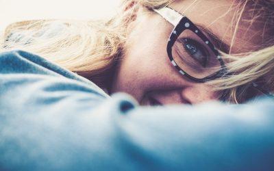 Presbicia: síntomas, causas y cómo tratarla